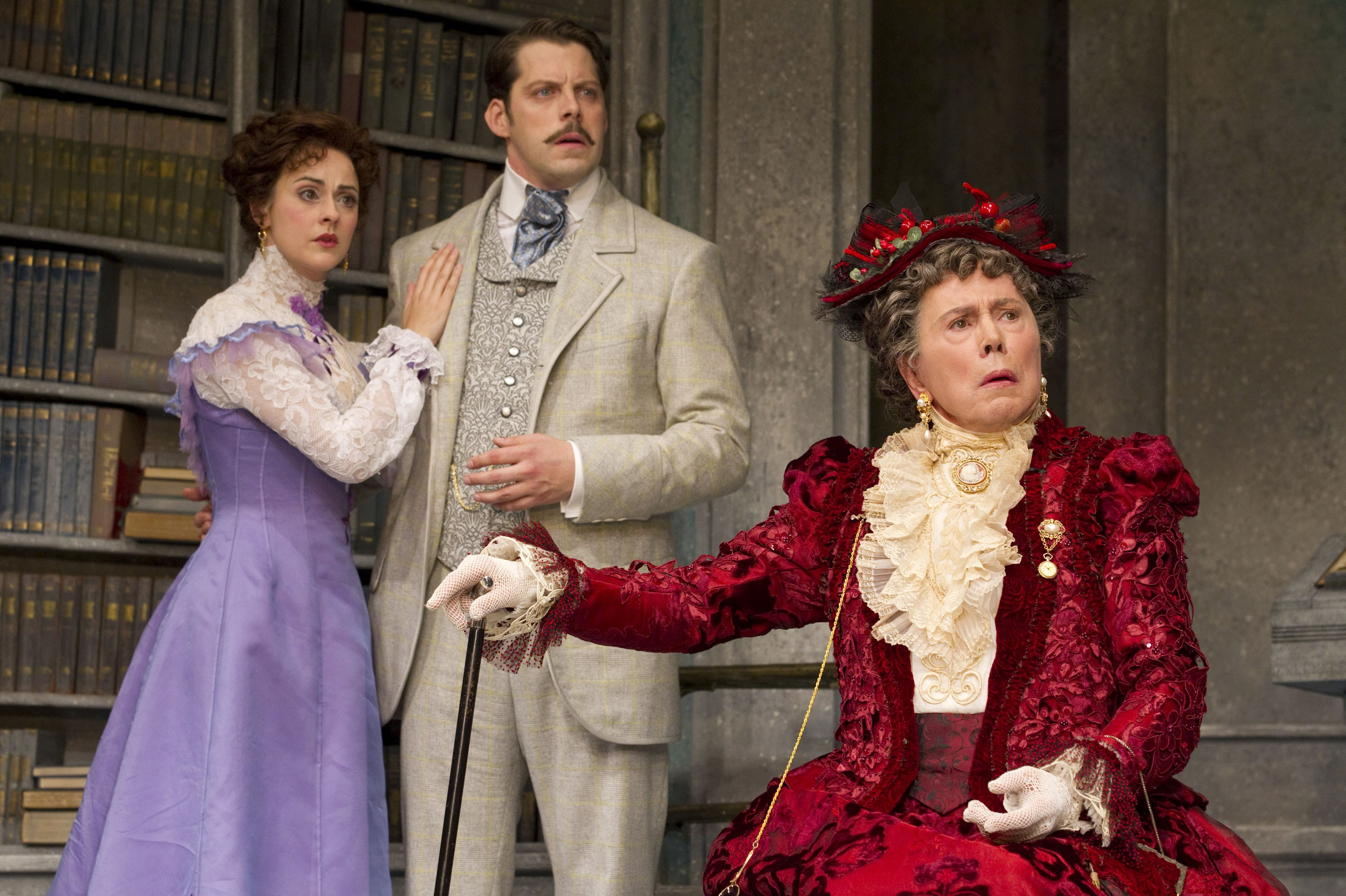 essays on marriage in the importance of being earnest 'in dramatic comedy women are typically presented in a less favourable way than men' to what extent do you agree with this view in relation to 'the importance of being earnest'.