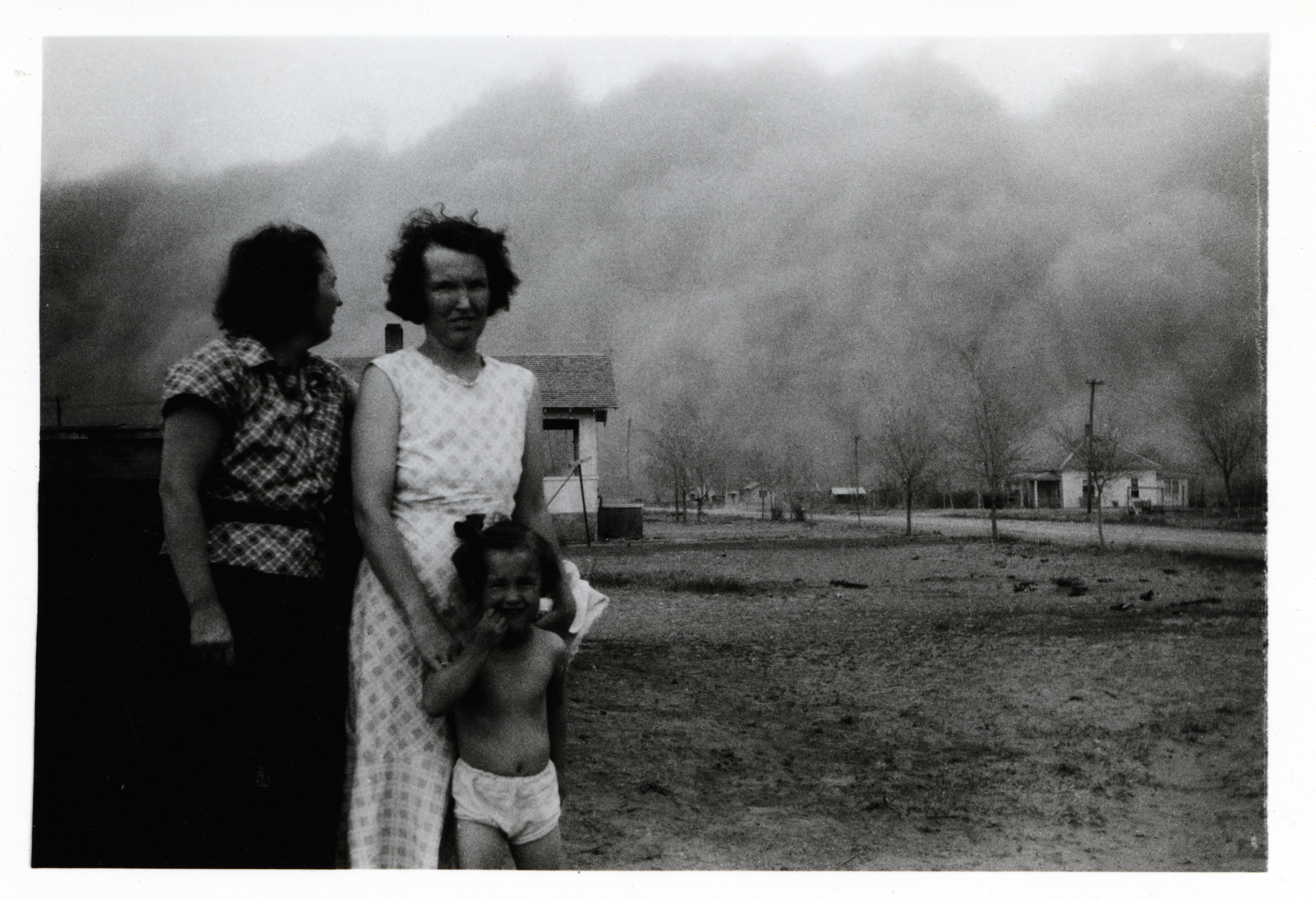 the dust bowl how did it In this lesson we will learn about a phenomenon known as the dust bowl we will learn how it impacted an already troubled nation, and highlight key.
