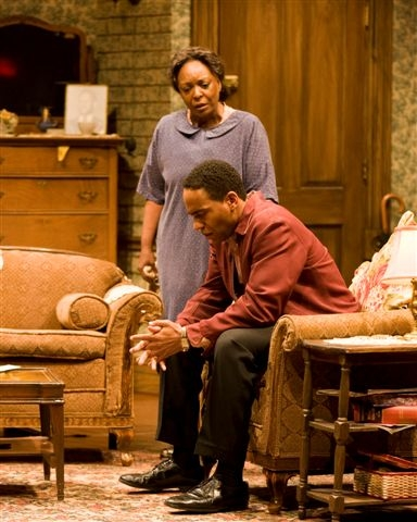 Theater Review A Raisin In The Sun By Lorraine Hansberry Directed