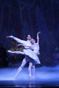 Joffrey Ballet's The Nutcracker - Los Angeles and Chicago - review by Tony Frankel