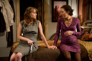 Time Stands Still by Donald Margulies at Steppenwolf Upstairs Theatre – directed by Austin Pendleton – Chicago Theater Review by Dan Zeff