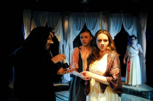 Tony Frankels' Chicago review of the Duchess of Malfi at Strawdog