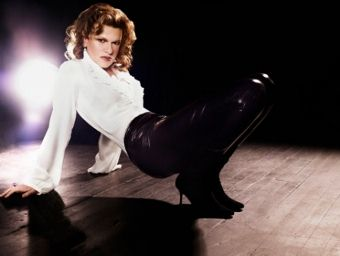 Post image for Los Angeles Theater Review: Sandra Bernhard: SANDROLOGY (REDCAT)
