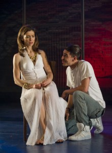 Dan Zeff's Stage and Cinema review of OEDIPUS EL REY at Victory Gardens Chicago