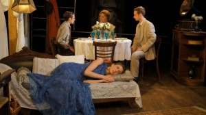 Paul Kubicki's Stage and Cinema review of Redtwist's GLASS MENAGERIE in Chicago