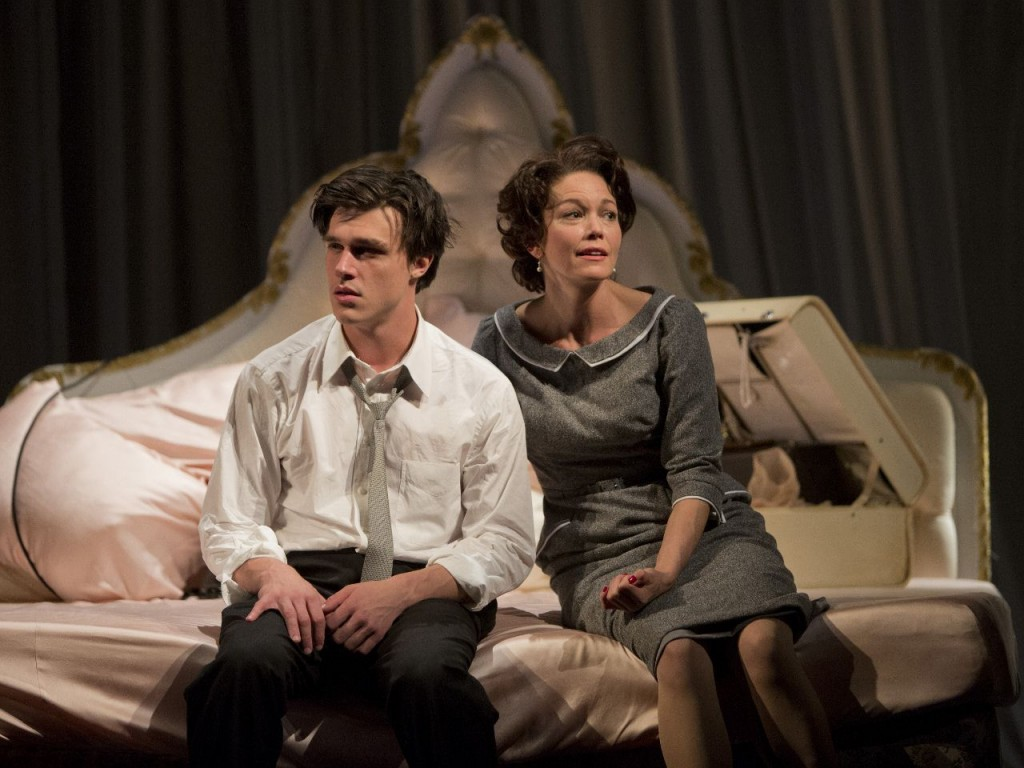 Dan Zeff's Stage and Cinema review of Goodman Theatre's Sweet Bird of Youth in Chicago