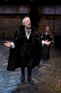 Dan Zeff's Stage and Cinema review of Writers' Theatre's HAMLET in Chicago