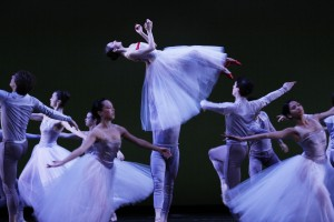 Tony Frankel's Stage and Cinema feature of Joffrey's HUMAN LANDSCAPES in Chicago