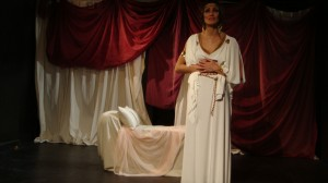 Paul Kubicki's Stage and Cinema review of Medea's Got Some Issues at Café Luna in Chicago and Solo Theatre Festival in New York