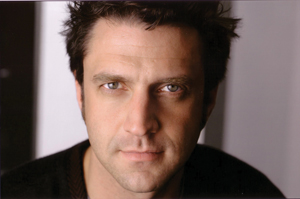 Tony Frankel's Stage and Cinema preview of Raúl Esparza Sings Sondheim at Valley Performing Arts Center