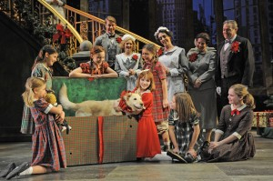 Sally Jo Osborne's Stage and Cinema review of ANNIE at the Paramount in Aurora, Chicago