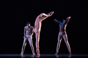 Lawrence Bommer's Stage and Cinema Chicago review of HUBBARD STREET/ALONZO KING Spring Series