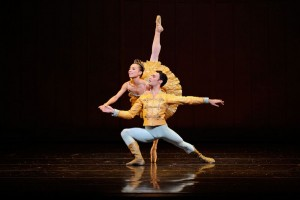 Frances Chung and Jaine Garcia Castilla in Tomasson's Nutcracker.
