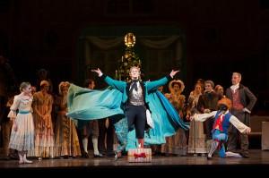 NUTCRACKER;The Royal Ballet,Drosselmeyer; GARY AVIS,Clara; MEAGHAN GRACE HINKIS,The Sugar Plum Fairy; ROBERA MARQUEZ,The Prince; STEVEN McRAE,
