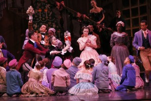 Joffrey Nutcracker - Caitlin Meighan (center) & Children's Cast, photo by Herbert Migdoll
