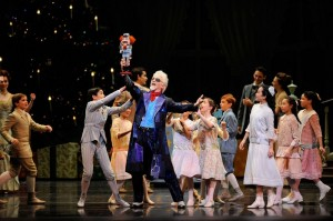 Val Caniparoli and San Francisco Ballet School students in Tomasson's Nutcracker.