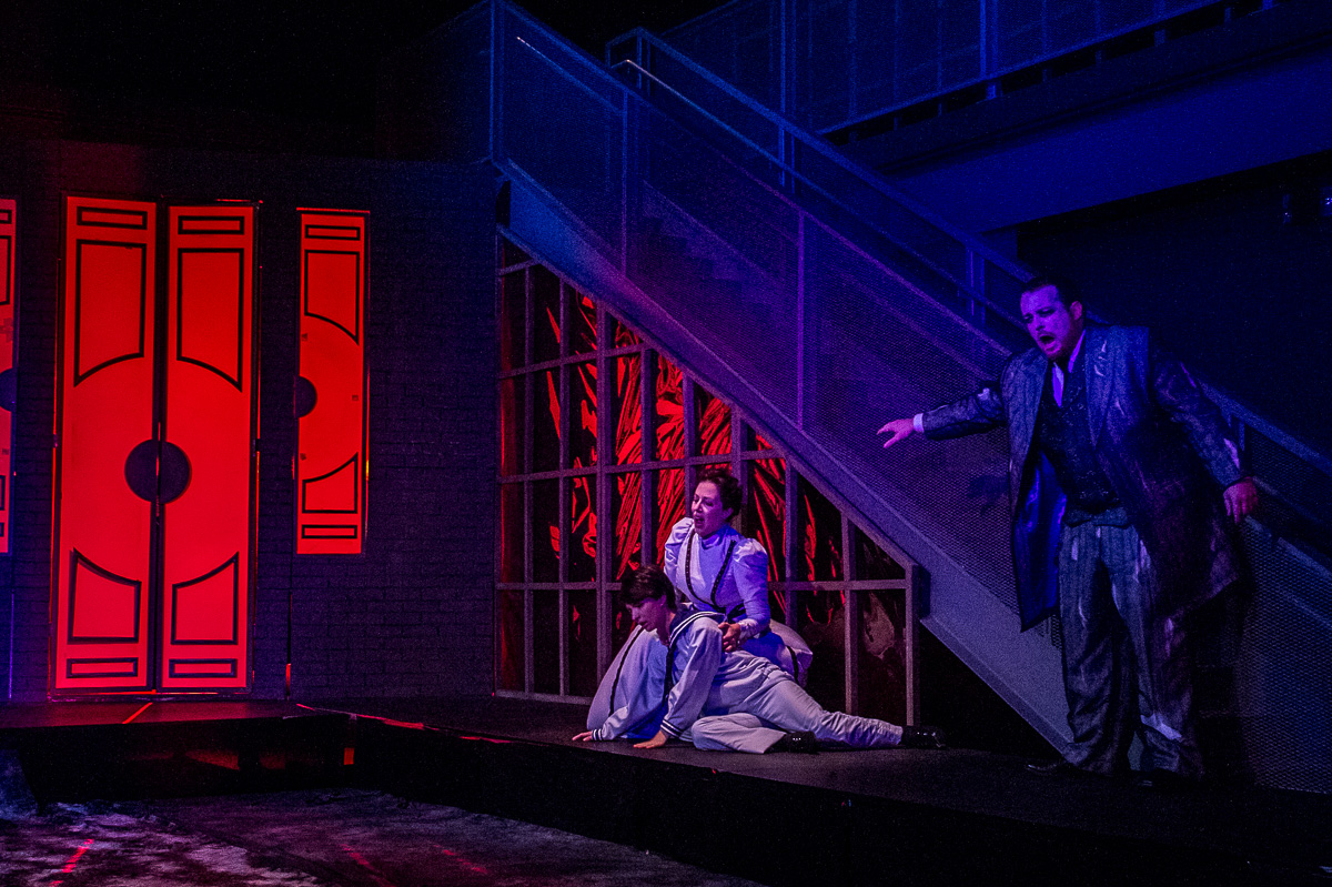 Los Angeles Opera Review: THE TURN OF THE SCREW (Pacific