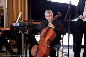 Cellist John Walz, co-director of Le Salon de Musiques