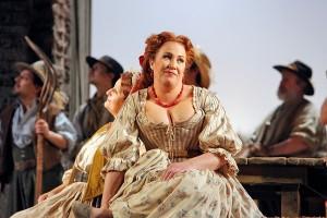 Soprano Stephanie Weiss is Giannetta in San Diego Opera's THE ELIXIR OF LOVE.