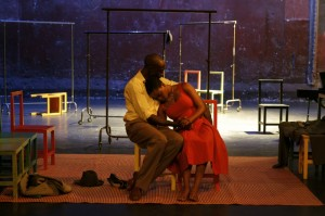 Ivanno Jeremiah and Nonhlanhla Kheswa in Théâtre Des Bouffes du Nord and Peter Brook's THE SUIT. Photo by Pascal Victor.