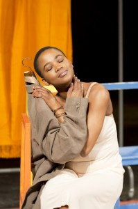Nonhlanhla Kheswa in Théâtre Des Bouffes du Nord and Peter Brook's THE SUIT - Photo by Johan Persson.