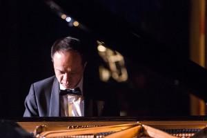 Rueibin Chen, pianist.
