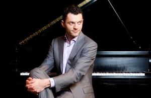 Steven-Vanhauwaert-piano