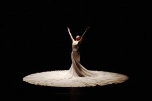 THE CALLING by the Jessica Lang Dance company photo by Takao Komaru