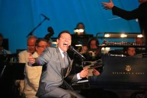 Michael Feinstein Sings Gershwin (with the Pasadena Pops)
