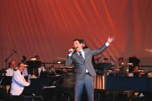 Michael Feinstein Sings Gershwin (with the Pasadena Pops).