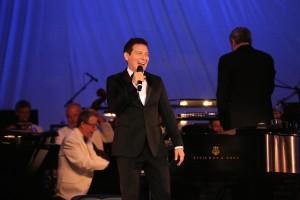 Michael Feinstein Sings Gershwin with the Pasadena Pops.