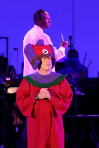 Hans Zimmer with conductor Thomas Wilkins in SIMPSONS TAKE THE BOWL.