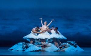 Victoria Jaiani and the Joffrey Ballet in Christopher Wheeldon's SWAN LAKE - Photo by Cheryl Mann