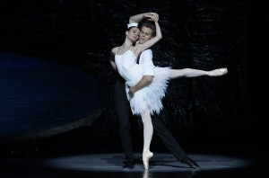 Amber Scott & Adam Bull in The Australian Ballet's SWAN LAKE. Photo by Jeff Busby