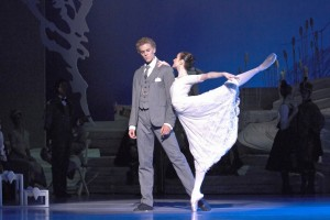Amber Scott & Adam Bull in The Australian Ballet's SWAN LAKE. Photo by Jim McFarlane
