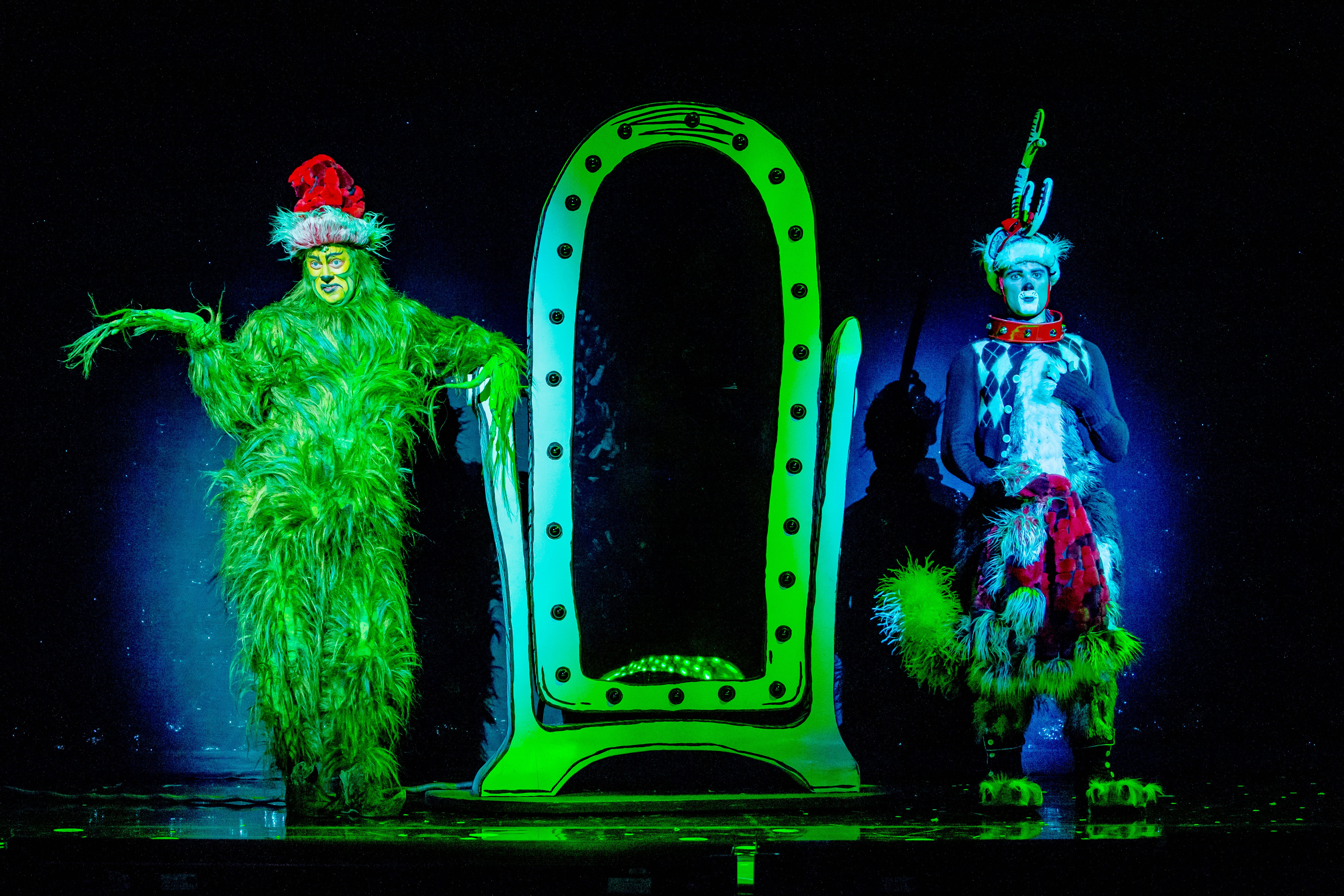Theater Review: DR. SEUSS' HOW THE GRINCH STOLE CHRISTMAS! THE ...