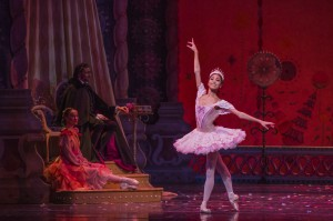 Joffrey - Nutcracker, Jeraldine Mendoza as Sugar Plum Fairy - Photo by Cheryl Mann (2)