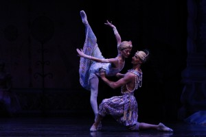 Joffrey - Nutcracker, Victoria Jaiani and Temur Suluashvili as Arabian - Photo by Herbert Migdoll