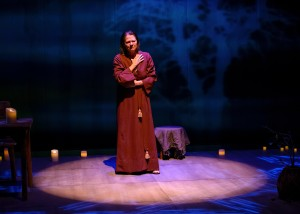 Linda Reiter stars in Victory Garden's production of THE TESTAMENT OF MARY by Colm Tóibín. Photo by Michael Courier.