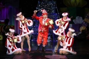 Ringing in the Holidaze in CIRQUE DREAMS HOLIDAZE.