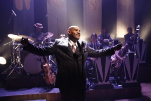 Allan Harris in CAFE SOCIETY SWING at 59E59 Theaters. Photo by Carol Rosegg