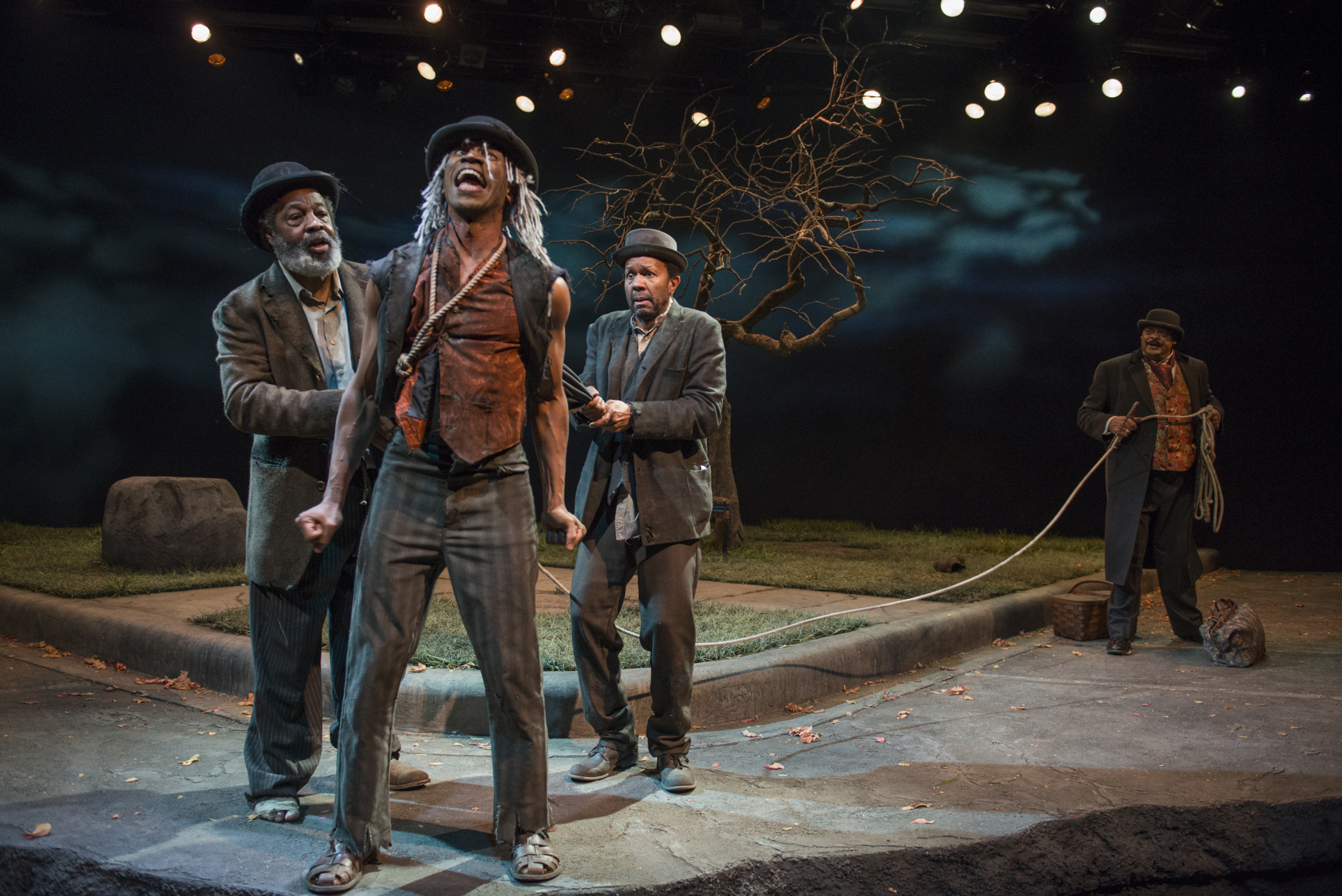 theater review waiting for godot court theatre in chicago alfredwilson anthonyleeirons allengilmore a c smith