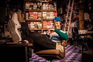 Sam Boeck in Vs. Theatre Company's production of GUS'S FASHIONS AND SHOES. Photo by Azul DelGrasso.