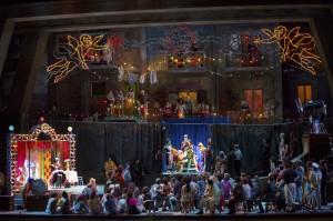 A-scene-from-PAGLIACCI.-Photo-by-Craig-T.-Mathew-LA-Opera.