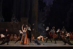Anastasia Petushkova and Karen Ioannisyan-Mariinsky-Ballet-s-Raymonda-Photo-by-Valentin-Baranovsky_17