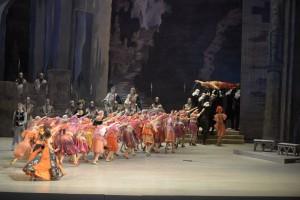Mariinsky-Ballet-Corps de Ballet-Raymonda-by-Valentin-Baranovsky_6