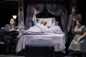 Plácido-Domingo-in-bed-Kihun-Yoon-as-Ser-Amantio-di-Nicolao-Liam-Bonner-as-Marco-and-Meredith-Arwady-as-Zita-in-GIANNI-SCHICCHI.-Photo-by-Craig-T.-Mathew-LA-Opera.