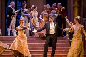 5. Thomas Hampson_THE MERRY WIDOW_LYR151111_278_c.Todd Rosenberg
