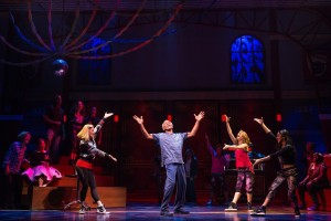Andr+¬ De Shields (center) and cast members of the new musical comedy GOTTA DANCE in the World Premiere engagement at Broadway in ChicagoGÇÖs Bank of America Theatre (c)Matthew Murphy