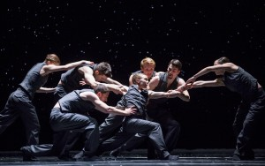 Hubbard Street Dancers in Solo Echo by Crystal Pite, clockwise from far left: Emilie Leriche, Michael Gross, Florian Lochner, Andrew Murdock, Jacqueline Burnett, Kellie Epperheimer, foreground, and Jesse Bechard. Photo by Todd Rosenberg.